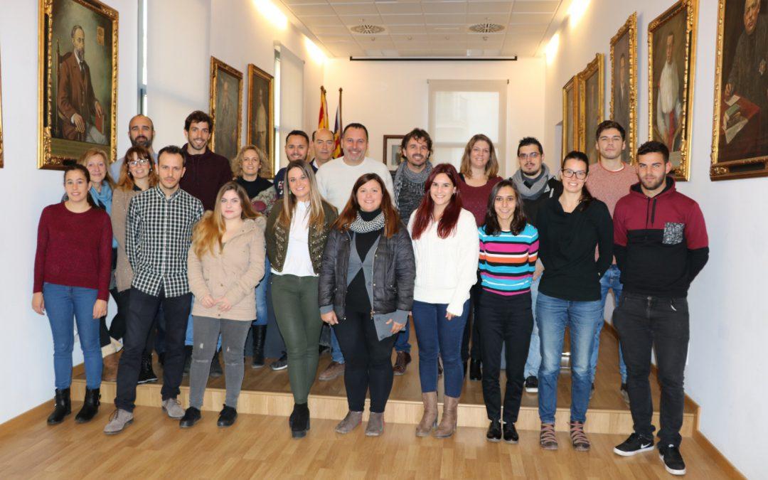12 joves titulats s'incorporen a diferents àrees de l'Ajuntament de Felanitx amb el nou programa SOIB JOVE