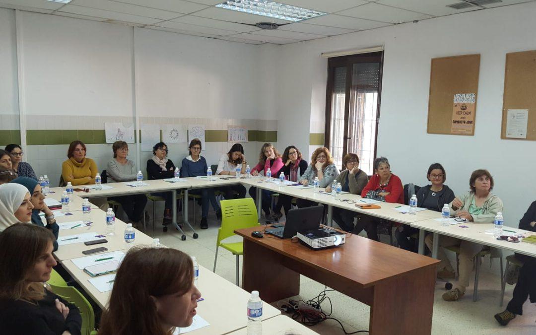 """Els Serveis Socials de l'Ajuntament de Felanitx juntament amb l'Espai de Dones inicien amb una jornada informativa el programa """"Avançam Juntes"""""""