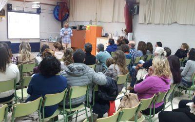 El C.P. Joan Capó acull la primera jornada de les Xerrades per a famílies